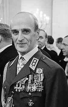 """Adolf Ehrnrootin sanoman ydin sisältyy hänen usein toistamaansa sanontaan: """"Suomi on hyvä maa. Se on paras meille suomalaisille. Se on puolustamis..."""
