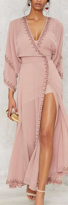 The Jetset Diaries Las Perlas Kimono Dress - Mauve - Clothes: XS Kimono Dress, Dress Skirt, Dress Up, Dress Clothes, Slit Dress, Mauve Dress, Purple Dress, Kimono Abaya, Satin Kimono