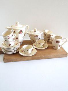 Service à café ou service à thé ancien en faïence de Hamage Moulin-des-Loups complet.