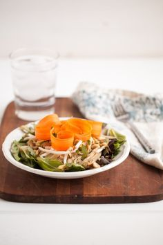 Peanut Noodle and Bean Sprout Salad by (naturally ella) Bean Sprout Salad, Sprouts Salad, Bean Sprouts, Alfalfa Sprouts, Easy Salads, Healthy Salads, Healthy Cooking, Healthy Foods, Vegetarian Main Course