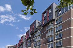 Renovatie en Optopping van Verzorgingshuis de Wilgenhof te Eindhoven. Hier is Aluminium LeeFast® draagsysteem toegepast dat is afgewerkt met een LeeBrick® systeem uit Keramische tegels. De Keramische tegels zijn op dit project voor het eerst diagonaal toegepast. Kijk verder op Syvado.com