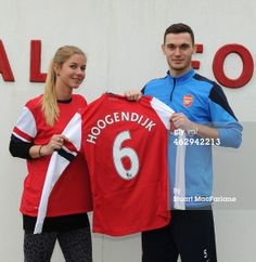 Vermaelen with Arsenal Ladies' Signing Anouk Hoogendijk.