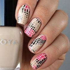 Exotic snake skin design for the nails are created using the stamping technique. Recreate this nail art with the nail products used here. Sexy Nails, Love Nails, Pink Nails, Snake Skin Nails, Nailart, Animal Nail Art, Exotic Nails, Tribal Nails, Pretty Nail Art