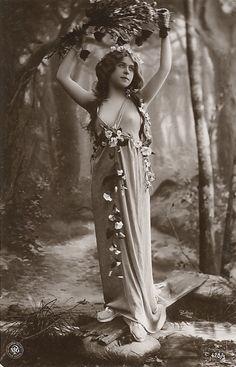 Vintage photos postcards ladies victorian