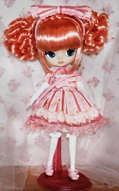 Does the grell pullip have breasts