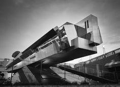 architect: Makoto Sei Watanabe 渡辺誠 location: Ariake, Koto-ku, Tokyo, Japan completion year: 1996