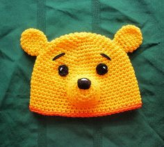 Bear Hat - Winnie the Pooh Crochet Animal Hats, Crochet Kids Hats, Crochet Beanie Hat, Crochet Cap, Cute Crochet, Crochet Crafts, Crochet Projects, Knitted Hats, Baby Hat Patterns