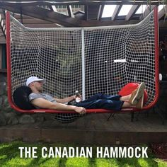 I just gave the kid down the street a few month's ago our old hockey n… – Margaret Thompson SHIT! I just gave the kid down the street a few month's ago our old hockey n… SHIT! I just gave the kid down the street a few month's ago our old hockey net! Hockey Room, Hockey Decor, Caps Hockey, Hockey Crafts, Bruins Hockey, Hockey Goalie, Field Hockey, Patrick Kane, Funny Memes