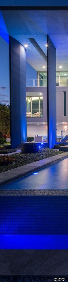 HALFLANTS+PICHETTE #ModernDecor #ModernSpaces #ModernBeachHome #HalflantsPichette Pink Sand, Marina Bay Sands, Acre, Beach House, Mansions, Luxury, Building, Beach Homes, Buildings