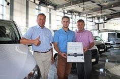 Dein Transporter ist bei uns in den besten Händen, denn wir wurden mit dem Titel Van ProCenter ausgezeichnet. Alle Infos über unser breites Transporter-Leistungsangebot auf unserer Website.