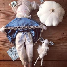 This Eleanor and her woodland companion, an heirloom doll handmade by Erica-Jane Waters of Wilderstich Doll Making Tutorials, Mollie Makes, Forest Friends, Cute Dolls, Fabric Dolls, French Antiques, Sculpture Art, Doll Clothes, Knitting