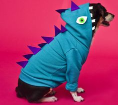 DIY Halloween Costume Idea: Dino Dog
