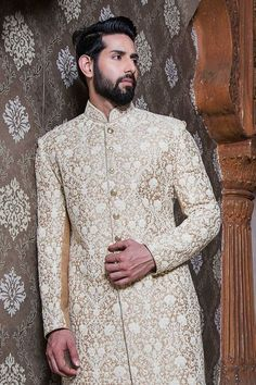 Latest Sherwani Trends This Year for Grooms - Fashion Foody Groom Wedding Dress, Pakistani Wedding Dresses, Indian Wedding Outfits, Wedding Wear, Punjabi Wedding, Groom Dress, Indian Weddings, Wedding Suits, Farm Wedding