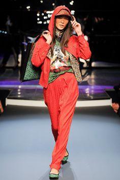 Jean Paul Gaultier Spring 2014 Ready-to-Wear Fashion Show
