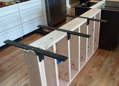 Awesome Brackets to Support Granite Breakfast Bar