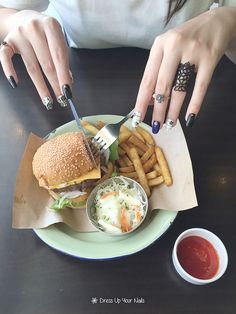Makeup is a sign of respect to other people; Nail dress up is a sign of importance to other people. Nail: Ladies flowers manicure nail art Meal: Beef burger, french fries, coleslaw #DressUpYourNails #Manicure #Cafe #Nail #Nailart #notd #OnTheTableProject #FlatLay #Lifestyle #KotaKinabalu #Maniquremy