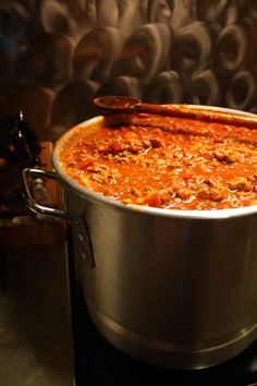 """Pot of Chili Believe it or not this is called """"Big-ass pot of chili! It is an awesome chili recipe for a crowd or the freezer!Believe it or not this is called """"Big-ass pot of chili! It is an awesome chili recipe for a crowd or the freezer! Chili Recipe For A Crowd, Best Chili Recipe, Chilli Recipes, Mexican Food Recipes, Beef Recipes, Soup Recipes, Chili Recipe For 20 People, Large Batch Chili Recipe, Party Recipes"""