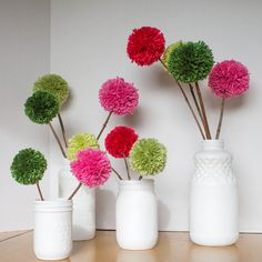 DIY Pom Pom Flowers and Faux Porcelain Jars - DIY Pom Pom Flowers and Faux Porcelain Jars You are in the right place about preschool crafts Here - Mason Jar Flower Arrangements, Mason Jar Flowers, Pom Pom Flowers, Faux Flowers, Pom Poms, Diy Yarn Flowers, Pom Pom Tree, Tulle Poms, Pom Pom Garland