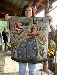 the Gathering of Primitive Friends Show at Notforgotten Farm. A nice inspiration for a primitive built block Rug Hooking Designs, Rug Hooking Patterns, Hand Hooked Rugs, Primitive Hooked Rugs, Patriotic Quilts, Wool Art, Penny Rugs, Traditional Rugs, Primitive Crafts