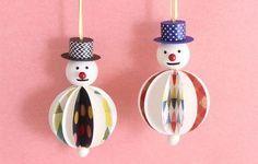 クリスマスのウィンドウオーナメントをつくろう! | くふうのたまご Handmade Christmas Tree, Christmas Paper Crafts, Christmas Origami, Christmas Tree Ornaments, Christmas Decorations, New Year's Crafts, Diy And Crafts, Christmas Design, Christmas Fun