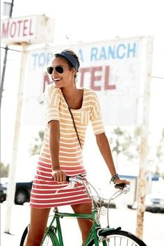 Very cute dip-dye stripes. (diana212m.blogspot.com)