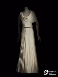 DressMadeleine Vionnet, 1935Les Arts Décoratifs