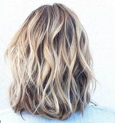 Idée Couleur & Coiffure Femme 2018 : Neutral pale blonde highlights and lowlights Brown Hair With Blonde Highlights, Pale Blonde, Short Blonde, Neutral Blonde Hair, Blonde Foils, Bright Blonde, Bright Hair, Low Lights Hair, Hair Color And Cut