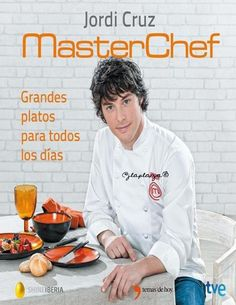 Jordi Cruz achéganos as receitas máis sorprendentes para realizar en calquera fogar. Fáciles, equilibradas e saúda­bles, desde un gazpacho de melocotón e fresas ata uns canelones de arroz e gambas. Cooking Pork Roast, Cooking Green Beans, Photo Portrait, Cooking Wine, Food Decoration, Cordon Bleu, Kitchen Recipes, Cooking Recipes, Organic Recipes