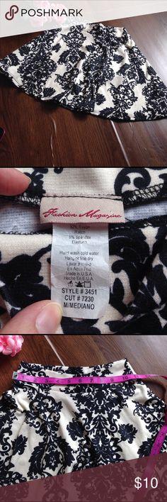 🔥4 for $15🔥Vintage print skater skirt Size medium (runs small IMO), fabric has stretch, EUC. Fashion Magazine Skirts Circle & Skater