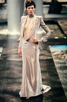 1998 - Alexander McQueen 4 Givenchy Couture show -