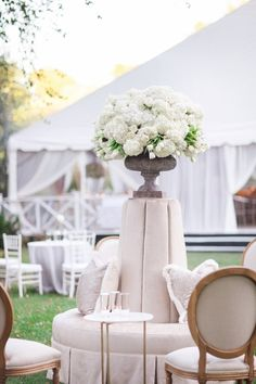 Elegant wedding reception idea; photo: Amy Campbell Photography