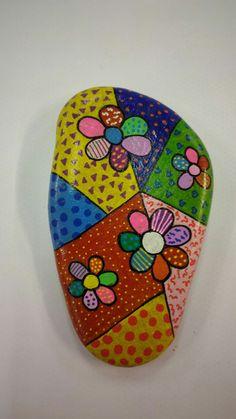 Pebble Painting, Dot Painting, Pebble Art, Stone Painting, Rock Painting Patterns, Rock Painting Ideas Easy, Rock Painting Designs, Painted Rocks Craft, Hand Painted Rocks