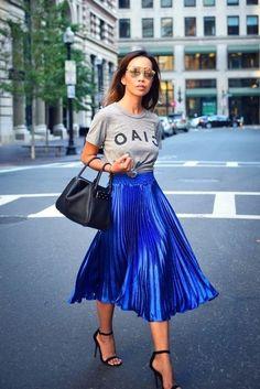 New royal blue metallic pleated high waist skirt midi length fall autumn. Blue Skirt Outfits, Royal Blue Outfits, Royal Blue Skirts, Pleated Skirt Outfit, Metallic Pleated Skirt, Midi Skirt Outfit, Blue Top Outfit, Pleated Skirts, Gray Skirt