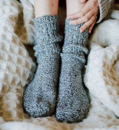 29 Inexpensive Secret Santa Gifts You'll Actually Be Proud To Show Up With Winter socks Fall Socks, Winter Socks, Comfy Socks, Cute Socks, Fluffy Socks, Ad Fashion, Fashion Trends, Secret Santa Gifts, Lingerie