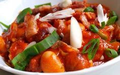 Kung Pao Chicken, Thai Red Curry, Pork, Ethnic Recipes, Sweet, Kale Stir Fry, Candy, Pork Chops