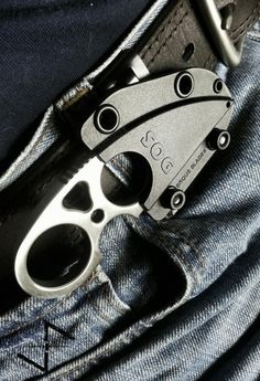 SOG Snarl Fixed Blade – Satin Polished Blade - street gear Cool Knives, Knives And Swords, Tactical Knives, Tactical Gear, Coldre Kydex, Armas Ninja, Trench Knife, Neck Knife, Knife Sharpening