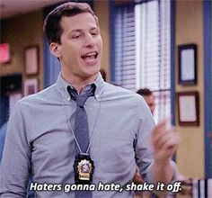 Shake it off Series Movies, Movies And Tv Shows, Tv Series, Tv Show Quotes, Film Quotes, Brooklyn Nine Nine Funny, Charles Boyle, Jake Peralta, Andy Samberg