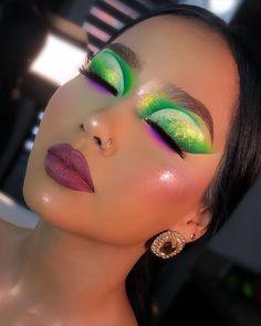 Indie Makeup, Edgy Makeup, Eye Makeup Art, Skin Makeup, Makeup Inspo, Eyeshadow Makeup, Makeup Inspiration, Beauty Makeup, Pastel Goth Makeup