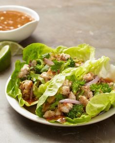 No need to order takeout from your favorite Asian bistro today. Just take these perfectly portable, low-cal lettuce wraps to work with you! #lunchrecipes #lunchideas #easylunchideas #bhg Chicken Wrap Recipes, Lettuce Wrap Recipes, Lunch Recipes, Healthy Recipes, Sandwich Recipes, Pork Recipes, Yummy Recipes, Vegetarian Recipes