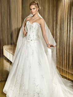 Modern sweetheart natural waist organza wedding dress