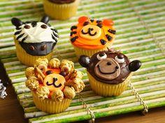 Jungle Animal Cupcakes great idea for a Madagascar Birthday Party