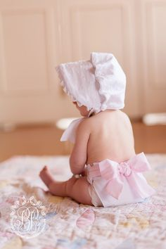 The only thing cuter than a baby's bottom, is a baby's bottom in a Baby Bow Bottom Bloomer. Can you say that ten times fast? When it comes to baby girls, the Beaufort Bonnet Company's motto is: put a bow on it! *Please note- The Baby Bow Bottom Bloomers run a little big.