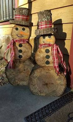 I can make this diy woodworking gifts Wooden snowmen teds-woodworking…. I can make this diy woodworking gifts Wooden snowmen Snowman Christmas Decorations, Christmas Wood Crafts, Christmas Snowman, Rustic Christmas, Christmas Projects, Holiday Crafts, Christmas Crafts, Christmas Ornaments, White Christmas