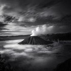 Dreamlike Photographs of Indonesia by Hengki Koentjoro