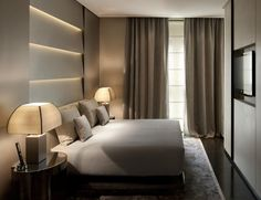 "Armani Hotel Milano is located in an old palace, designed by Enrico A. Griffini in the fiercely competitive ""Quad Fashion"", in Milan. Luxury Interior Design, Interior Design Living Room, Modern Interior, Home Bedroom, Modern Bedroom, Bedroom Ideas, Bedroom Decor, Armani Hotel Milan, Luxury Spa Hotels"