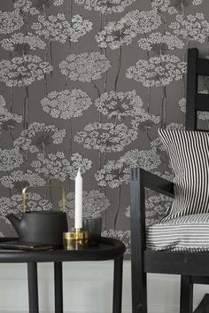 A lovely wallpaper design featuring beautiful illustrations of cow parsley in pretty grey.
