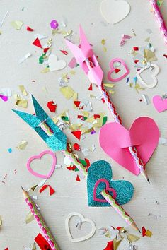 Arrow pencils! Click through for 35 amazing, over-the-top Valentine's Day ideas, including Valentine's crafts, Valentine's recipes, and Valentine's decorations, and more!