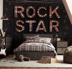 Rock Star Bedroom | 10 Amazing Music Themed Bedrooms http://www.mydesignweek.eu/10-amazing-music-themed-bedrooms/#.Uue15xCp3IX