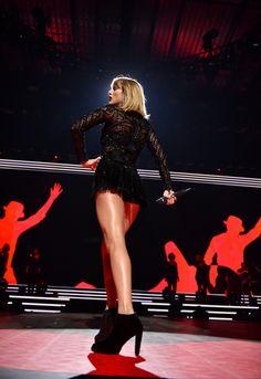 Taylor performing at DirecTV's Super Saturday Night 2.4.17