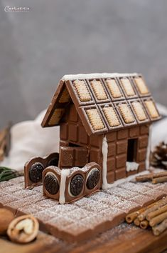 All Details You Need to Know About Home Decoration - Modern Christmas And New Year, Christmas Time, Chocolate House, Cake Chocolate, Ultimate Chocolate Cake, Christmas Gingerbread House, Diy Weihnachten, Xmas Decorations, Oreo